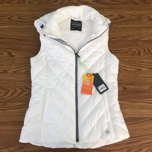 Tek Gear White Puffer Vest New